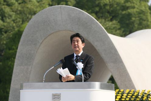 150806 広島市原爆死没者慰霊式並びに平和祈念式参列等 挨拶する安倍総理