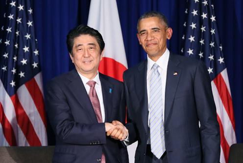 151119 APECマニラ 日米首脳会談 オバマ大統領と握手をする安倍総理