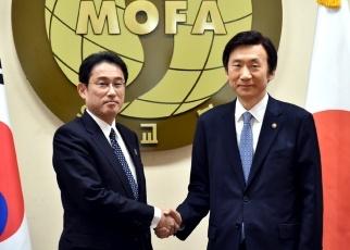 151228 日韓両外相共同記者発表
