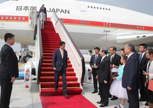 160904 G20 中華人民共和国・杭州に到着した安倍総理