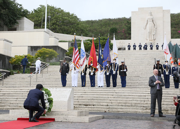 国立太平洋記念墓地での安倍総理